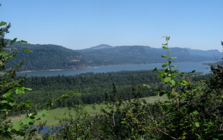 View across to Cape Horn, WA
